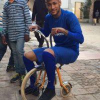 Neymar disfrutó de un día en el triciclo. Foto:instagram.com/neymarjr