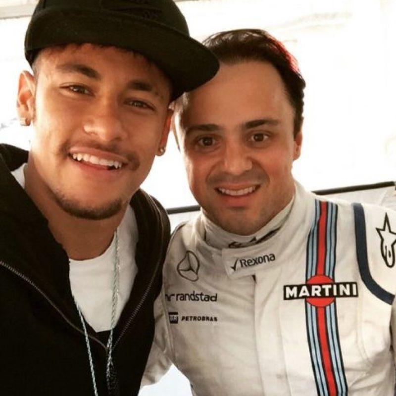 También le gusta el automovilismo, aquí cuando conoció a su compatriota Felipe Massa. Foto:instagram.com/neymarjr