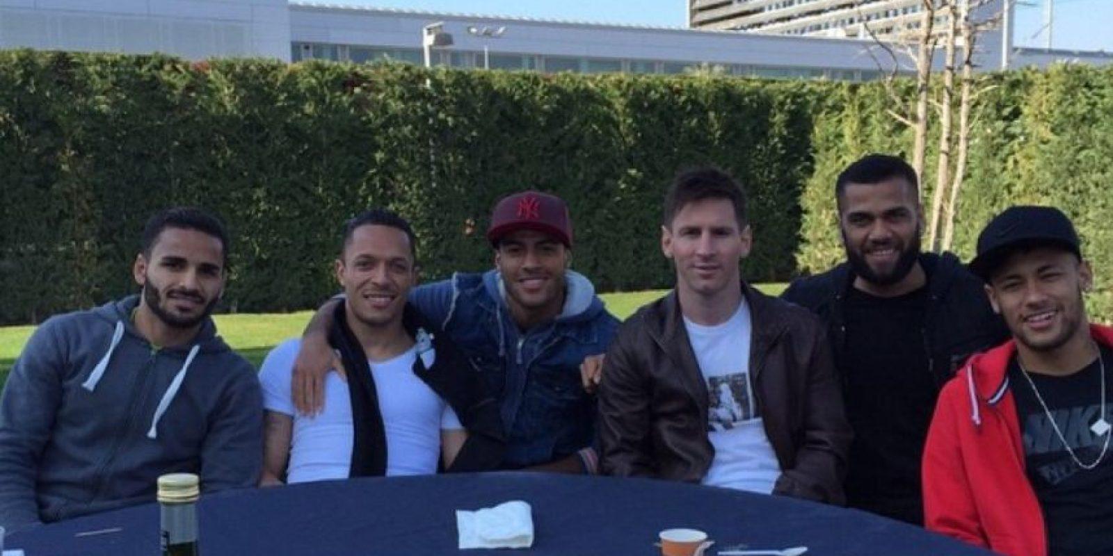 La convivencia con sus compañeros del Barcelona nunca falta. Foto:instagram.com/neymarjr