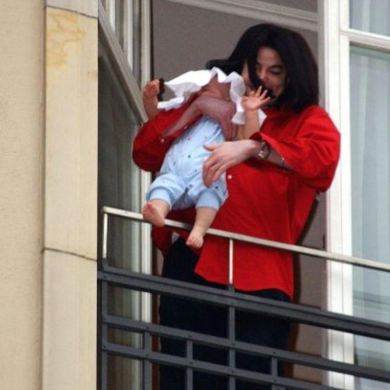 Debbie Rowe, fue la madre sustituta que llevó a Prince y Paris en su vientre para el cantante. Foto:Getty Images