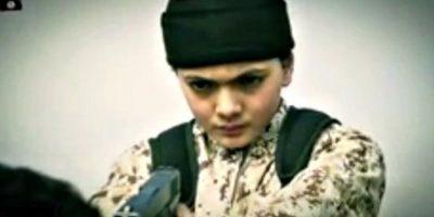 Niños reconocen a compañero de escuela como verdugo de ISIS