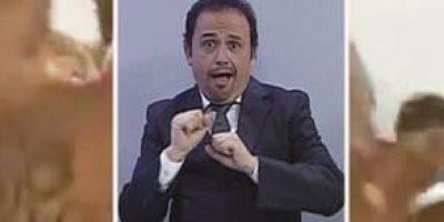 Sergio Mendoza, intérprete de señas de TVN (Chile), bailó la canción Vida de Ricky Martin Foto:Twitter
