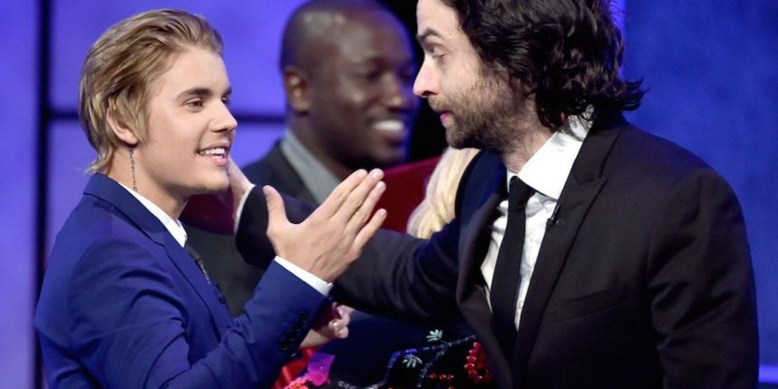 """""""Lo tienes todo menos amor, amigos, buenos papás y un Grammy"""". Chris D'Elia Foto:Getty Images"""