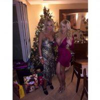 Alejandra de la Fuente y Laura Bozzo Foto:Instagram @missale_xo