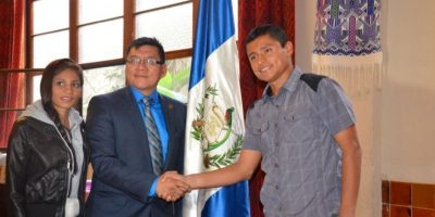 Barrondo recibe apoyo de guatemaltecos en el exterior