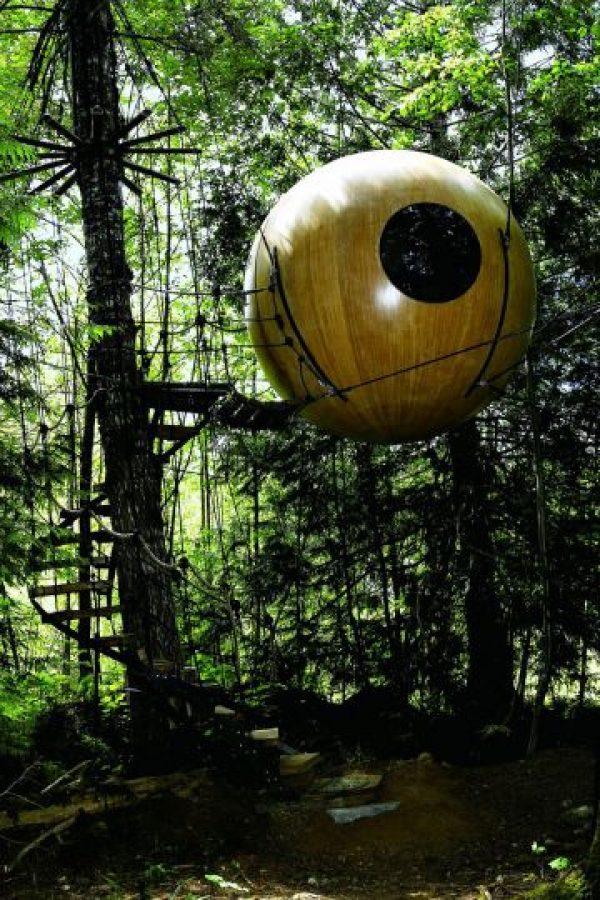 Construido con visión e ingenio, estas esferas artesanales están suspendidas de una red de cuerda. Ocupan un lugar único en el mundo y proporcionan un hábitat para el espíritu salvaje que existe en todos nosotros. Foto:architecturendesign.net