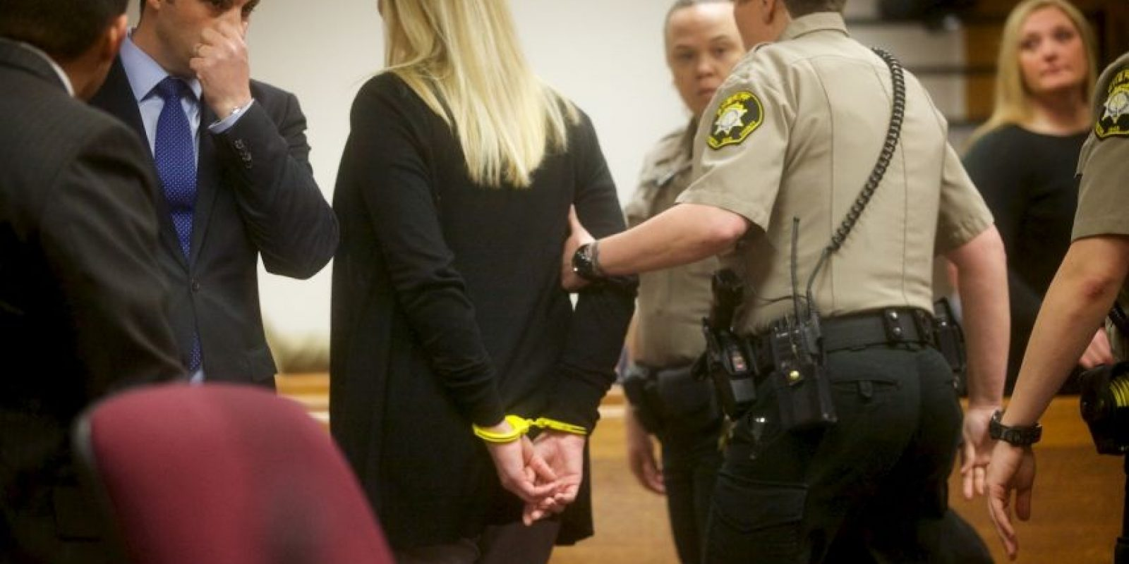 2. Se estimó que fueron 13 las ocasiones en las que Curry abrió la celda de Delgado Galban y tuvo sexo con él. Foto:AP