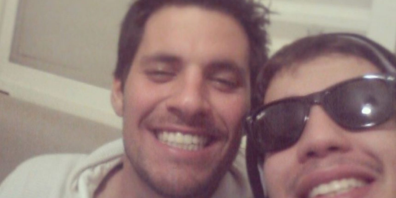 Humberto Moura Fonseca afirmó en su Facebook que prefería morir por alcohol que por aburrimiento y no fueron palabras ominosas. El joven brasileño, luego de tomar 25 shots de vodka, quedó prácticamente inconsciente. Foto:Facebook