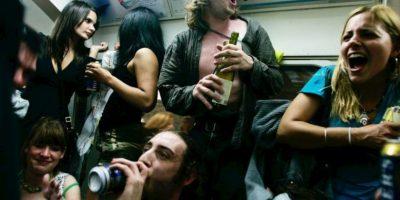 Este permitió que sus amigos experimentaran prenderle fuego con aerosoles y líquidos inflamables después de la medianoche. Foto:Tumblr