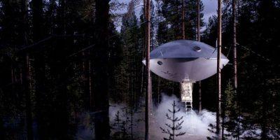 El Tree Hotel sueco decidió ir una dirección totalmente diferente después de la construcción de una casa en el árbol Nido de Pájaro y construyó esta casa del árbol OVNI. Foto:architecturendesign.net
