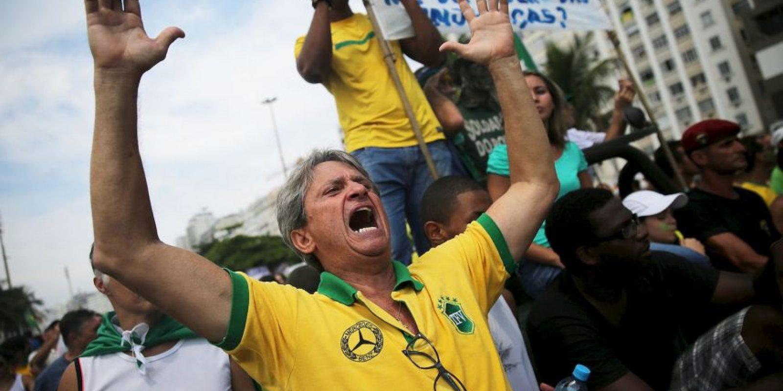 El pasado viernes, se realizó un evento organizado por la CUT (organización de apoyo a los trabajadores) en defensa de Petrobras y los derechos laborales que tuvo presencia significativa de votantes del PT. Foto:Getty Images