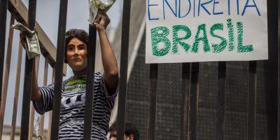 La postura del gobierno fue criticada por el senador Aécio Neves (PSDB-MG), candidato que disputó el cargo presidencial con Dilma en 2014. Foto:Getty Images