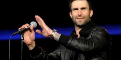 VIDEO: Adam Levine golpea a una chica en pleno concierto