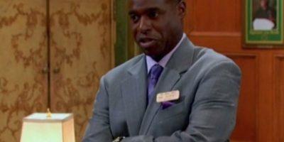 Phil Lewis, interpretó al Sr. Mosby, el encargado del Hotel y de London. Foto:IMDB