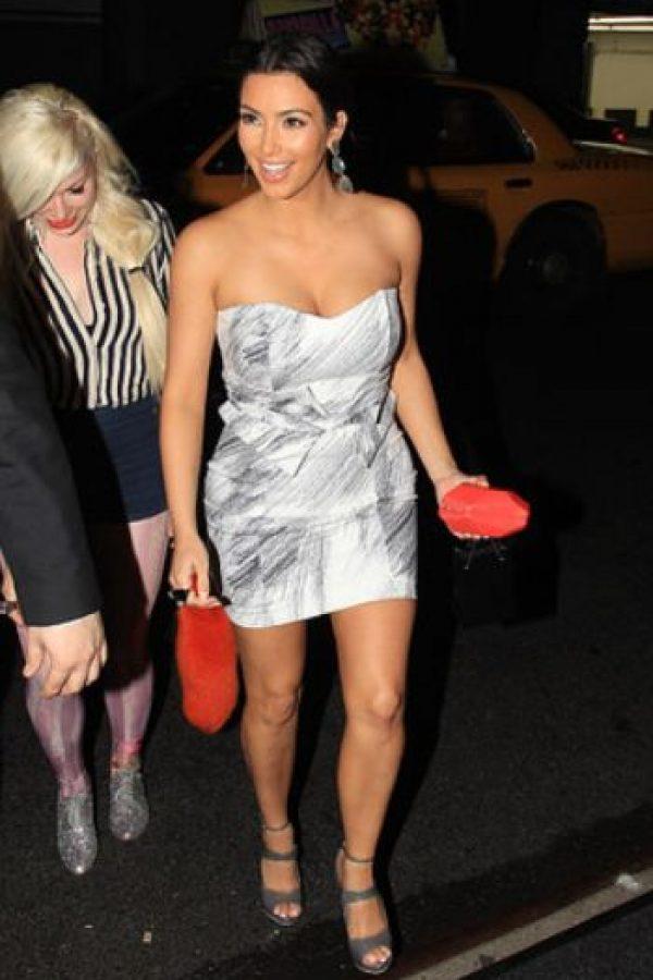 Kim siempre lo hace mini. Foto:Getty Images