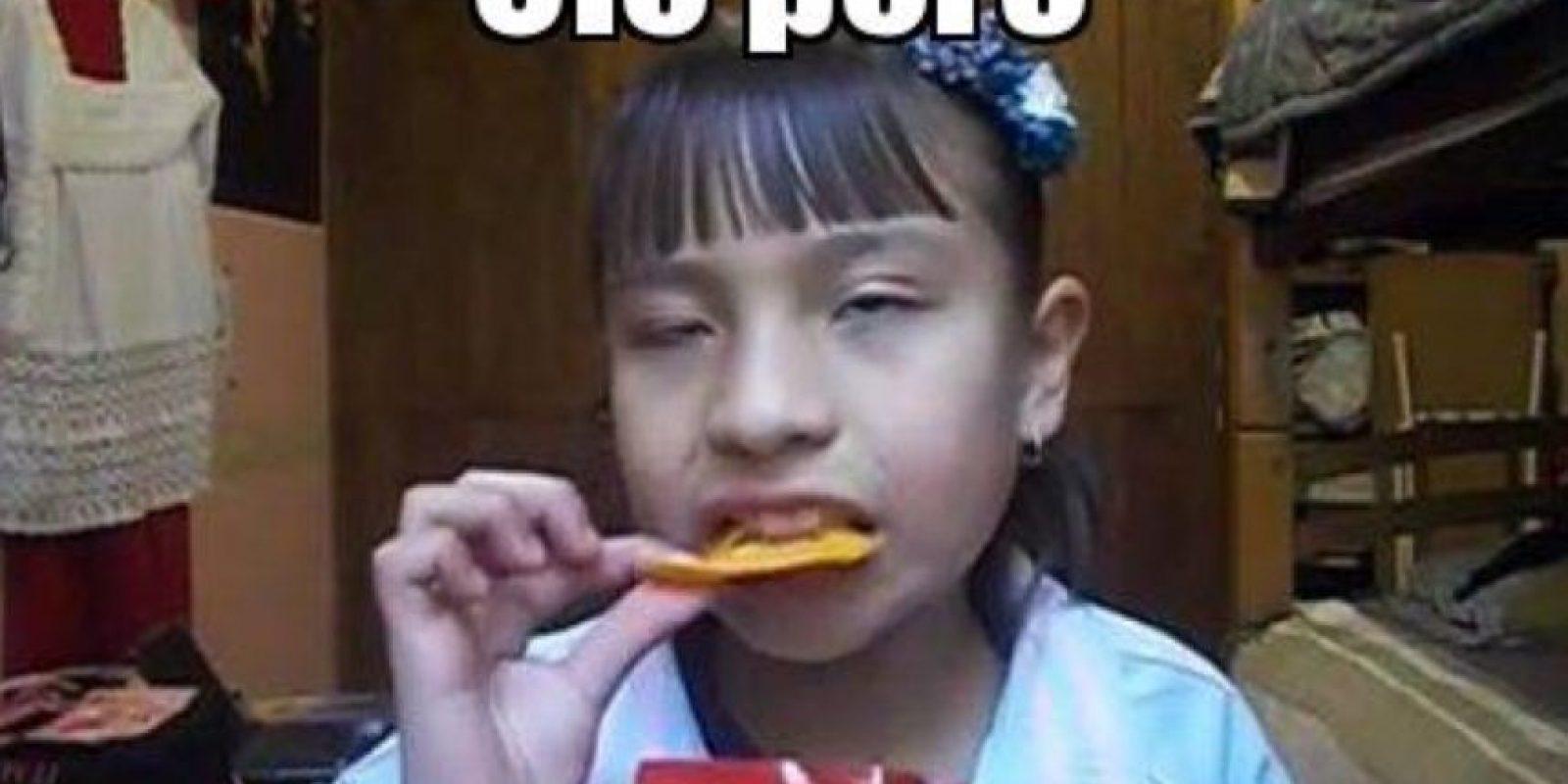 """De hecho, el """"ke riko"""" salió de ese video. La foto de la niña es viral: ha servido hasta para parodias y grupos de Facebook Foto:Meme Generator"""