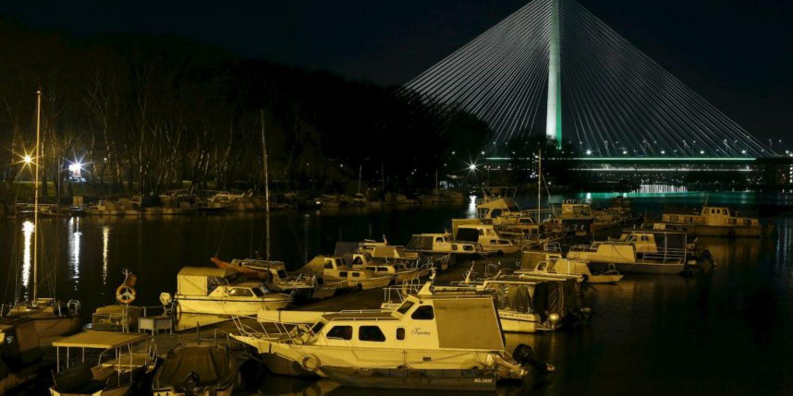 El puente Ada, en el río Sava, de Serbia. Foto:AP