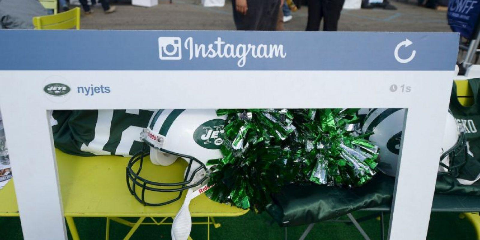 Instagram es mucho más sencillo, se basa en la publicación de fotos en tu perfil. Foto:Getty