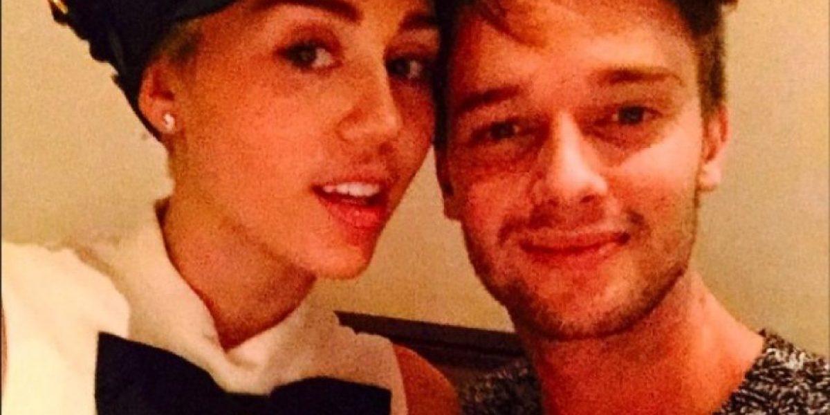 Fans amenazan de muerte al novio de Miley Cyrus