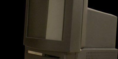 Si pensaban que Apple TV es una idea original, echen un vistazo a la Macintosh TV., donde se podía ver la señal de TV mediante un cable coaxial, sin embargo era un lío cambiar al modo PC, lo cual le quitó muchos puntos y finalmente fue desterrada. Foto:Vía commons.wikimedia.org