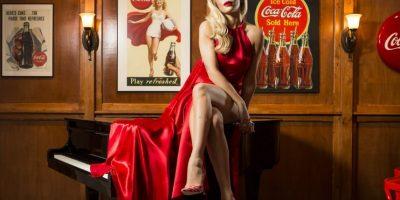 Rita Ora, la mejor chica de rojo para celebrar a Coca Cola