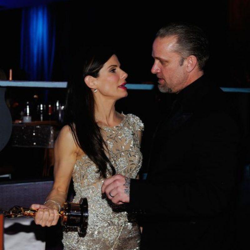 Otra mujer engañada fue Sandra Bullock quién se divorció en el 2010. Foto:Getty