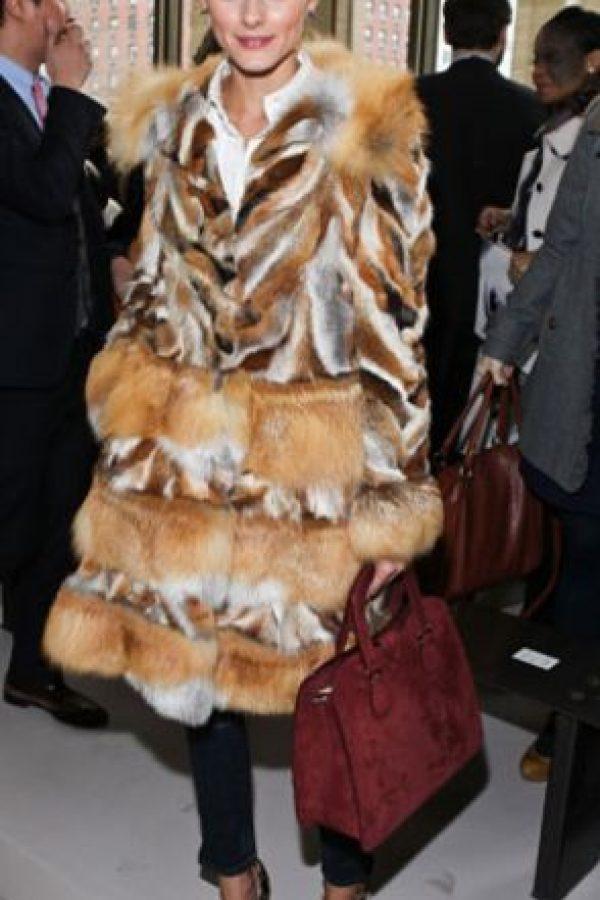 O increíblemente, el ícono de la moda Olivia Palermo, que mató a su sofá y se vistió con él. Foto:Getty Images