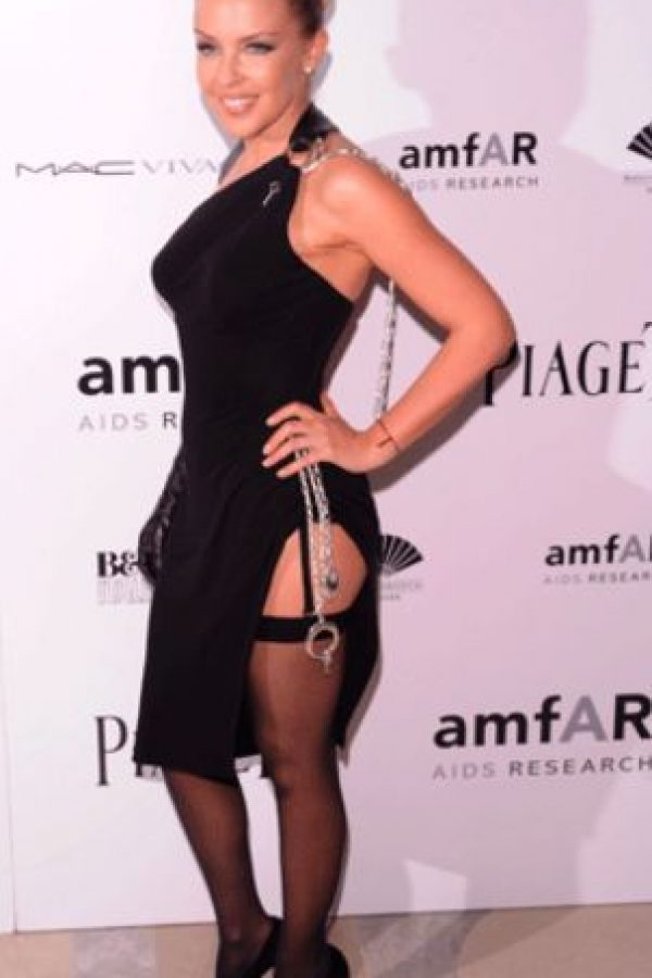 Kylie Minogue fue a la misma fiesta que Bridget Jones, esa en la que se vistió de conejita. Y le atinó al tema. Foto:Getty Images