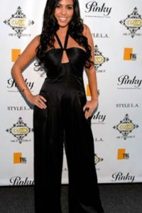 Kourtney Kardashian, mostrando que un enterizo siempre puede lucir mal. Foto:Getty Images