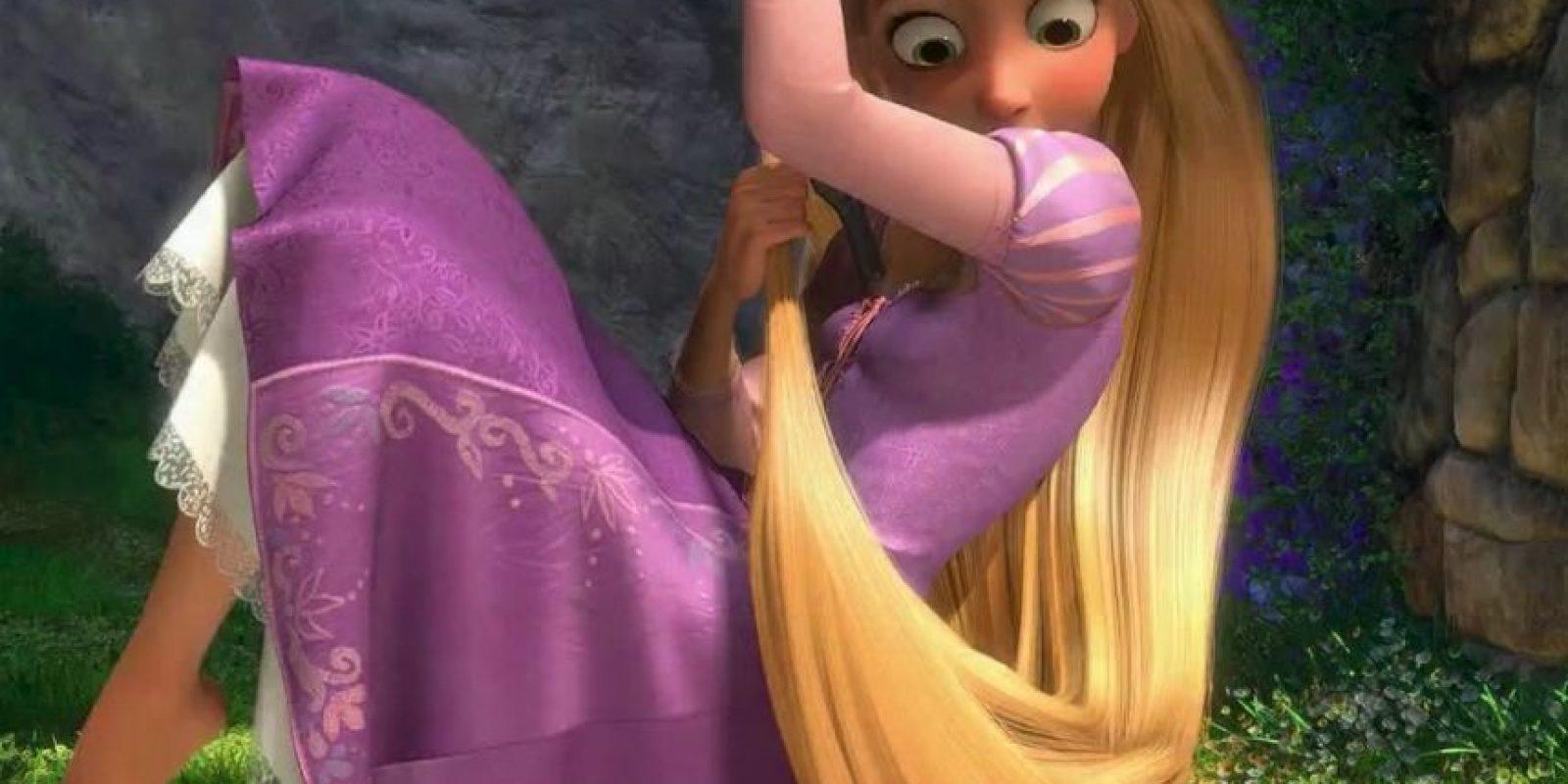 De esta manera no se dañarán las cutículas capilares. Foto:Disney