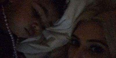 5. ¡Linda foto! Pero Kim fue criticada porque su pequeña está durmiendo con un collar de perlas. Muchos criticaron el peligro de que el collar se le enredara Foto:Instagram