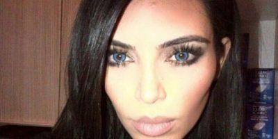 7. En febrero, Kim Kardashian compartió un selfie en el que sus ojos lucían un enigmático color azul, al igual que los de su esposo Kanye West, a quien comparó con lobos. Foto:Instagram