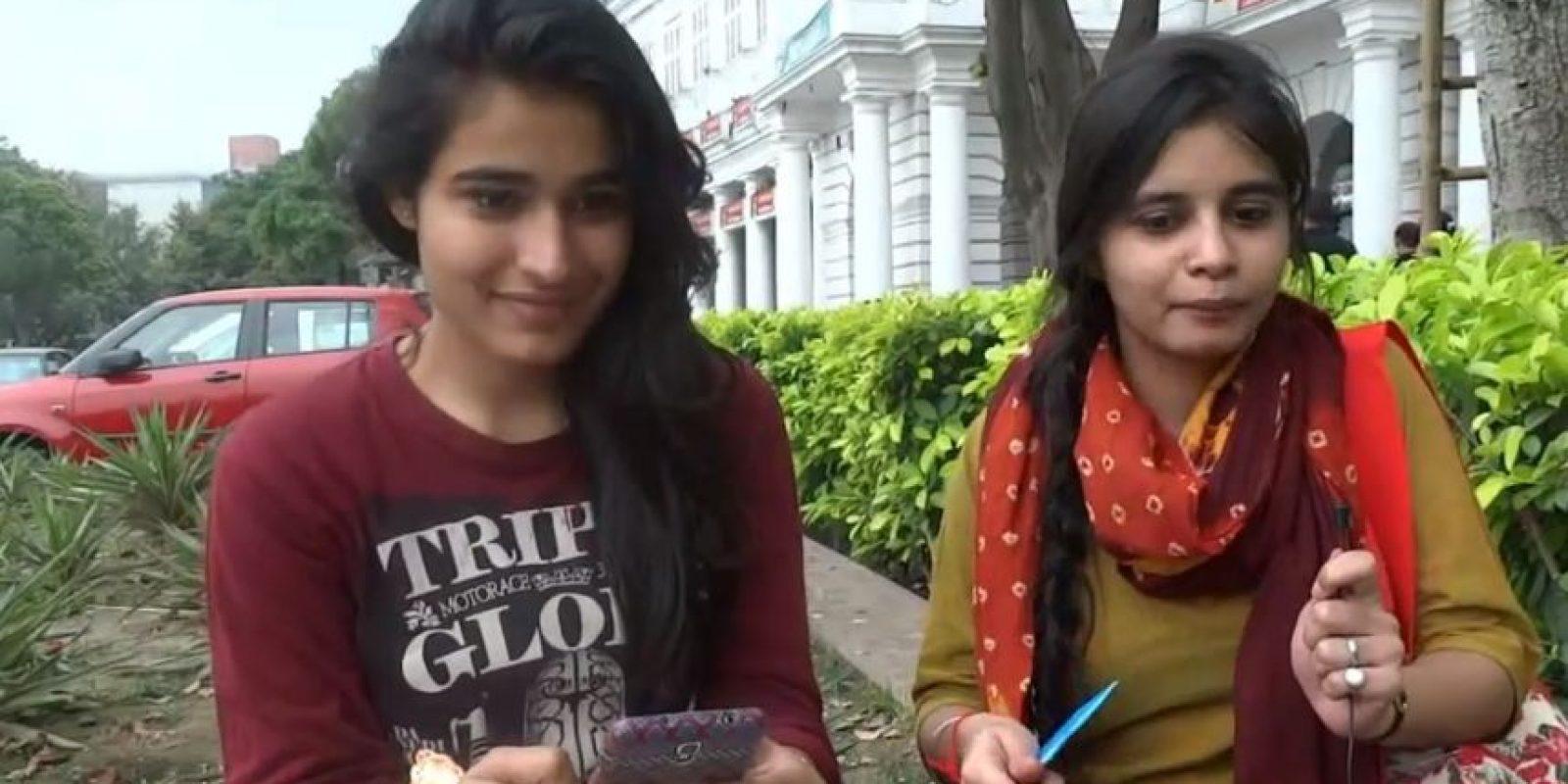 Al contrario de lo que se cree, las mujeres de sociedades que oscilan entre la modernidad y tradición como la india, también hablan abiertamente de sexo. Foto:NisheethTV/Youtube