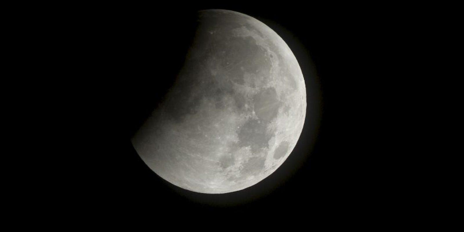 Fin de un eclipse lunar desde el espacio. Foto:Getty