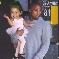 1.- La cantante ursurpó el lugar de North West, mientras su padre, Kanye West la llevaba a sus clases de ballet. Foto:Instagram @mileycyrus