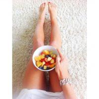 Todas las mañanas practica yoga, desayuna y almuerza frutas Foto:Instagram @christieswadling