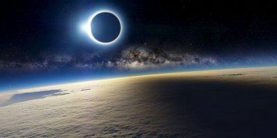 Esta es la foto falsa compartida esta mañana en las redes sociales Foto:http://a4size-ska.deviantart.com/art/Eclipse-144235675