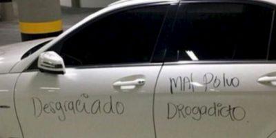 Mejor si tiene auto blanco. Foto:Facebook