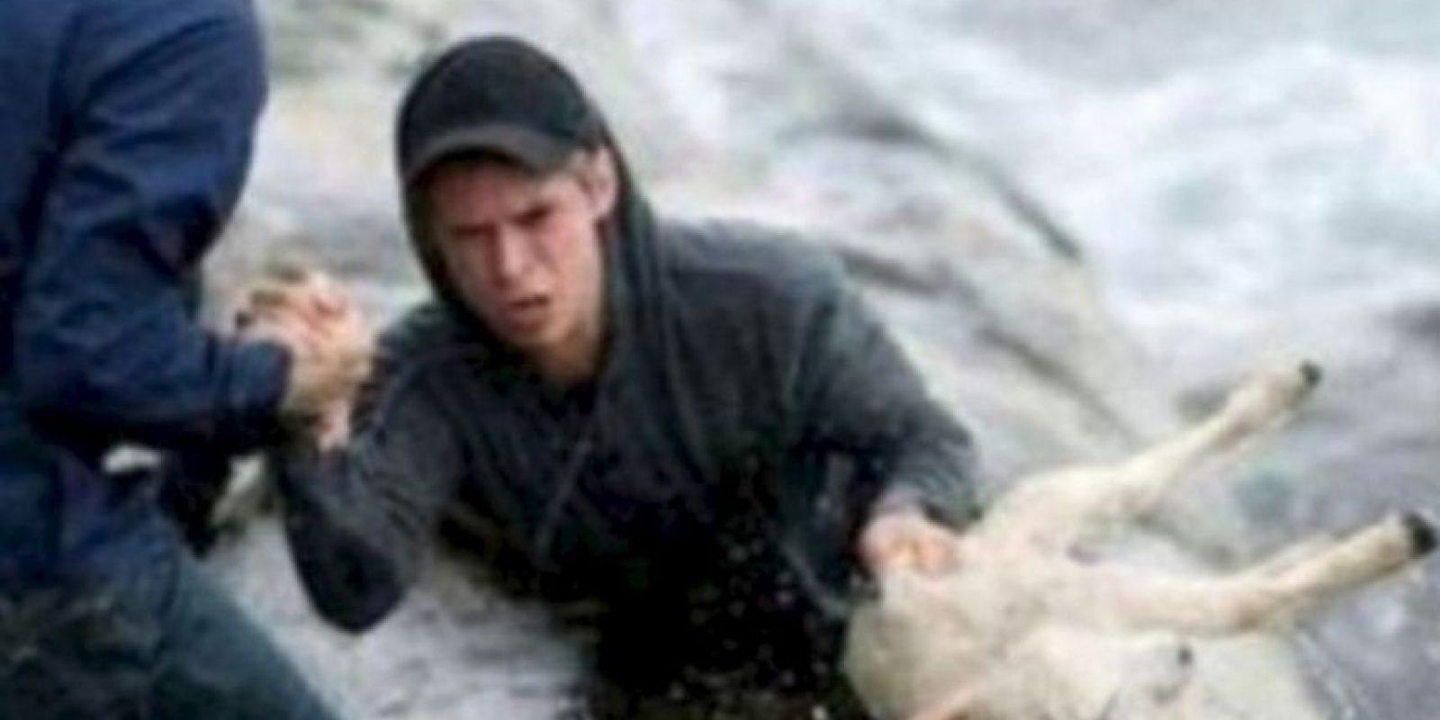 Estos noruegos rescatan a una cabra del mar. Foto:Tumblr