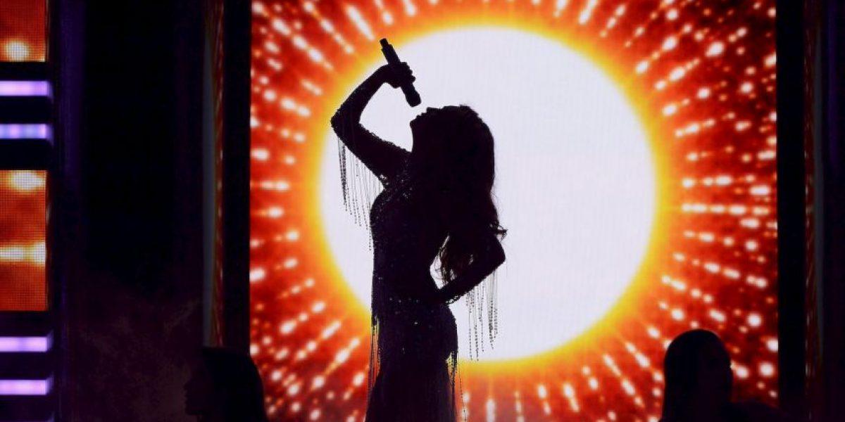 "VIDEO: Thalía estrena sensual video ""Como tú no hay dos"" junto a Becky G"