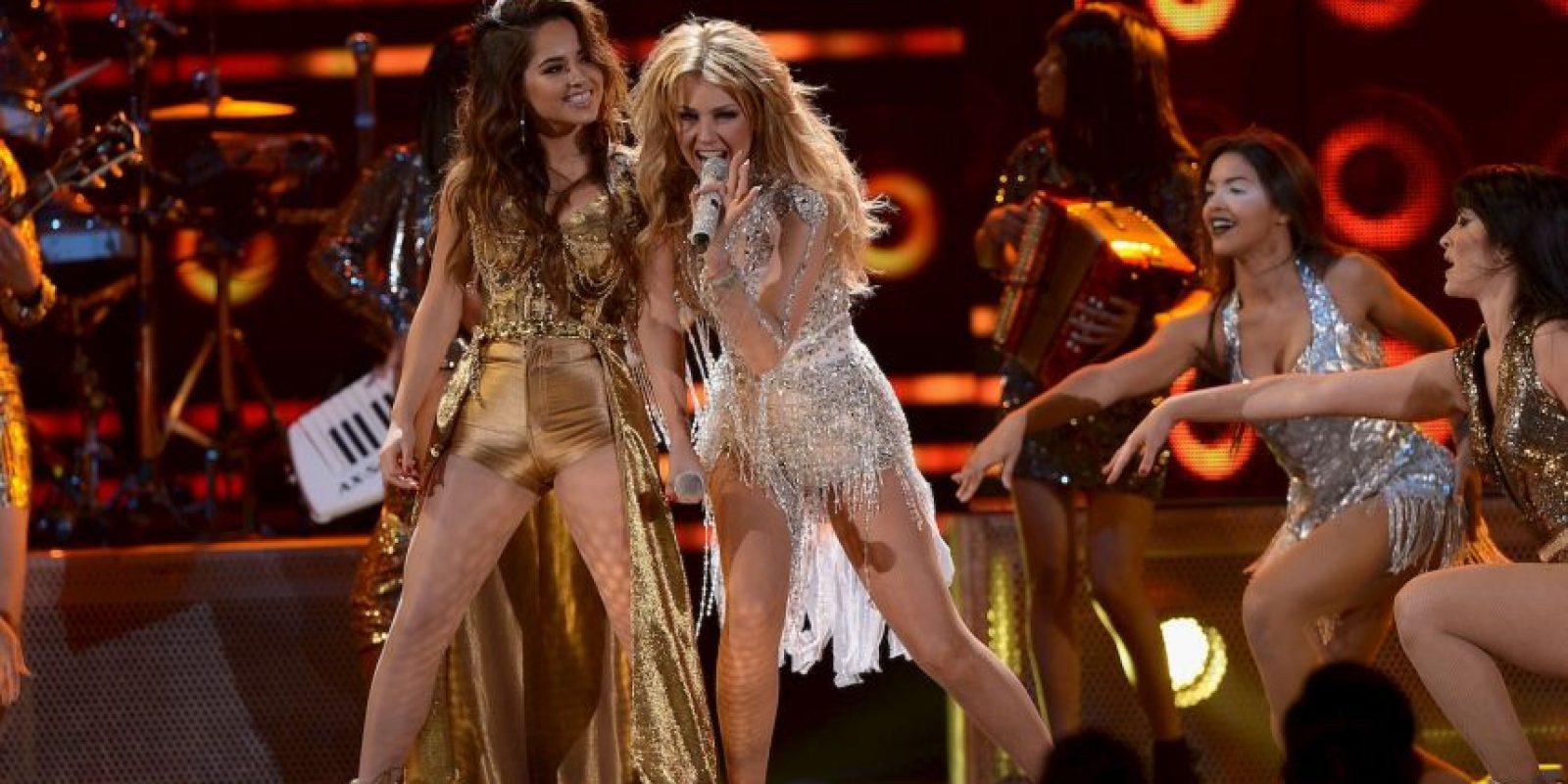 En el video se puede observar a las cantantes mover la cadera al ritmo de la música. Foto:Getty