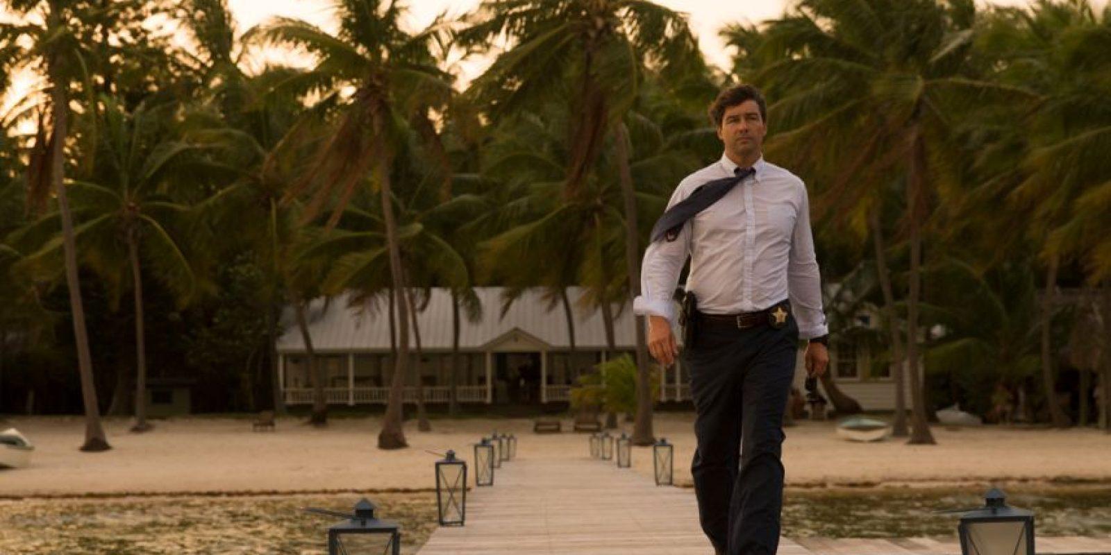 """Ben Mendelsohn y Linda Cardellini protagonizan """"Bloodline"""", la nueva serie de Netflix que lleva el thriller policiaco a un nuevo nivel. Foto:Netflix"""