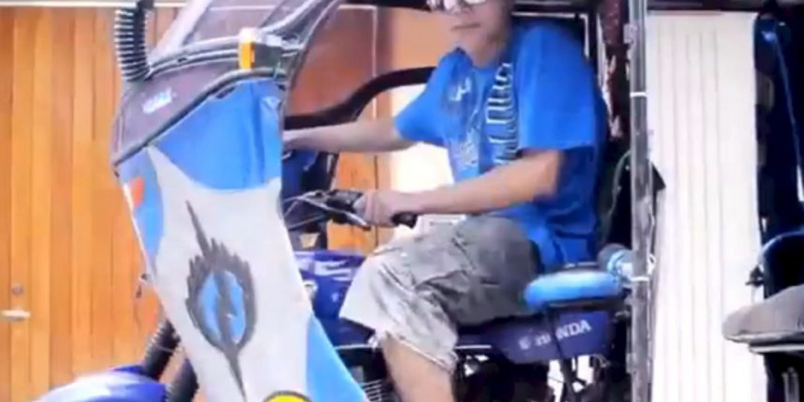 En Perú salió una parodia llamada El Mototaxi. Foto:Youtube