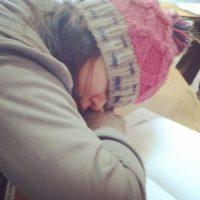 4. Dormir más de seis horas nos ayuda a reducir el cansancio nocturno y disminuir las posibilidades de muerte prematura. Foto:Tumblr.com/Tagged-dormida