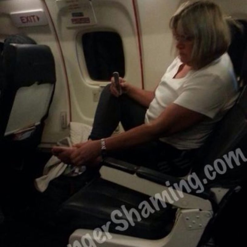 Pedicure en el avión Foto:Passenger ShamingPassenger Shaming