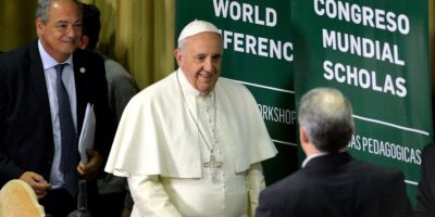 """3. """"Les pido que garanticen que la riqueza sirva a la humanidad y no que la gobierne"""" Foto:AFP"""