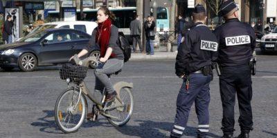 La mitad de los coches en la ciudad no van a salir a las calles este lunes. Foto:AFP