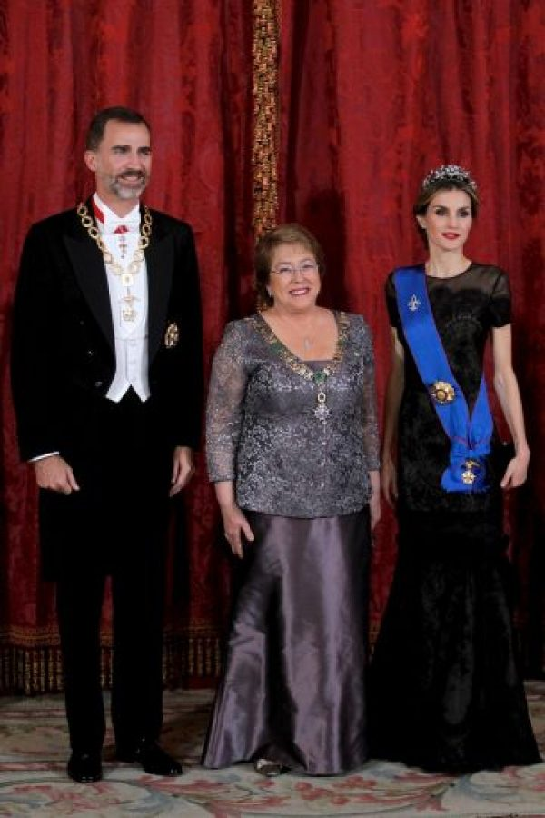 Con Felipe VI y la Reina Letizia Foto:Getty Images
