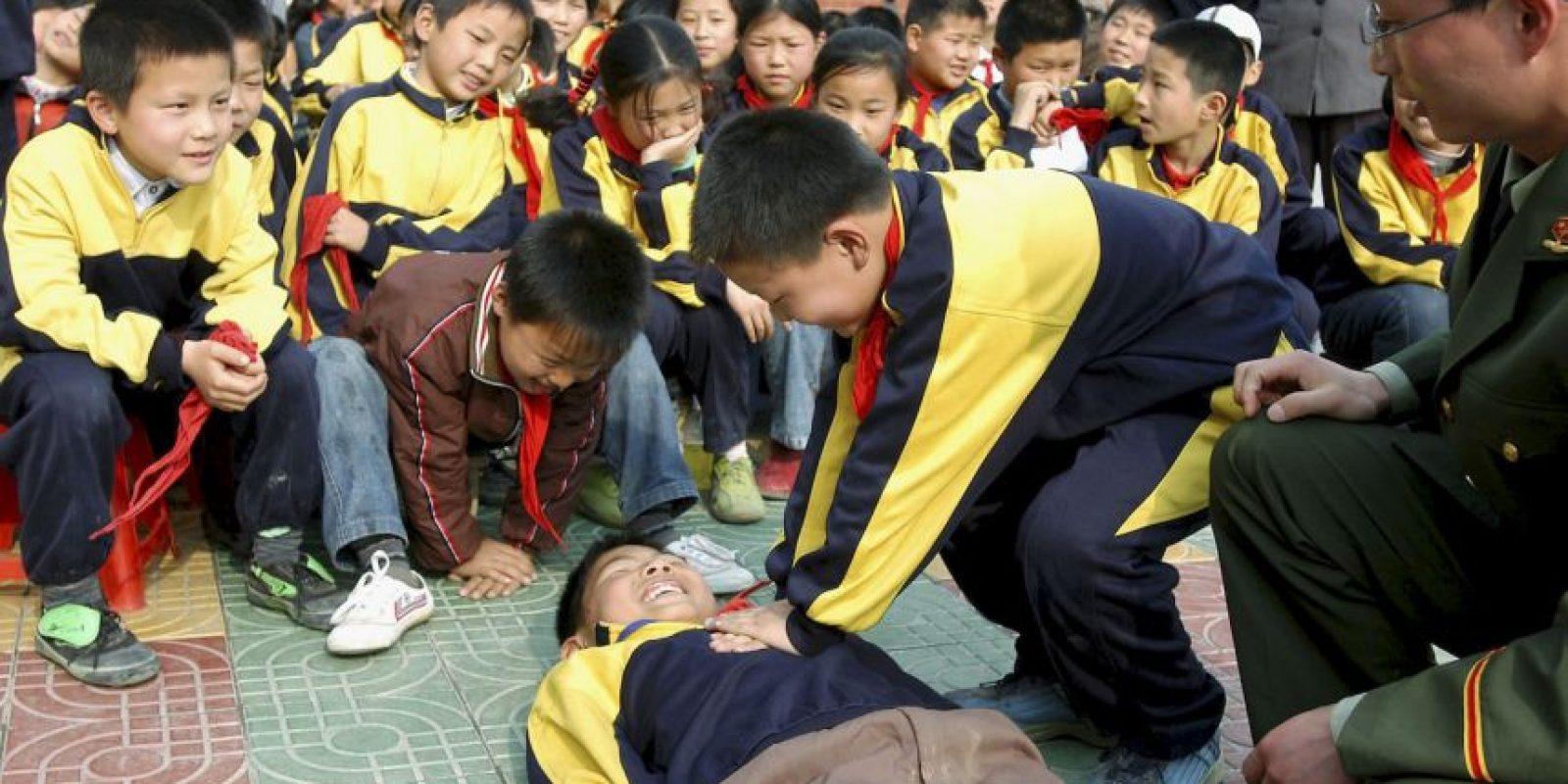No administre nada por vía oral a una persona inconsciente. Foto:Getty Images
