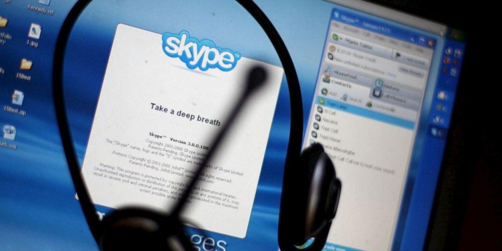 Skype es una de las más populares opciones para llamadas, video llamadas y mensajes. Foto:Getty